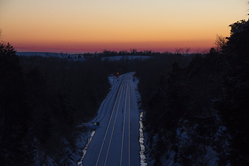 sunset snow pines dual parallel signal highbridge railroadtracks norfolksouthern leadinglines railroadsignal norfolksouthernrailroad highbridgeroad wilmorekentucky dualtracks jessiminecounty