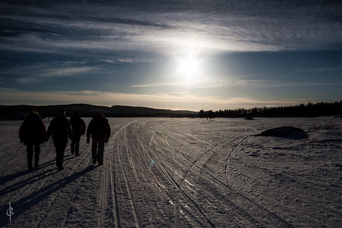sunset snow walking technique geocity camera:make=canon exif:make=canon camera:model=canoneos5dmarkii geostate geocountrys exif:lens=ef28135mmf3556isusm exif:model=canoneos5dmarkii exif:focallength=28mm exif:aperture=ƒ11 exif:isospeed=100 geo:lon=27050666666667 geo:lat=68917705555555