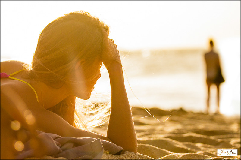 woman_enjoying_sunset_hawaii_004.jpg