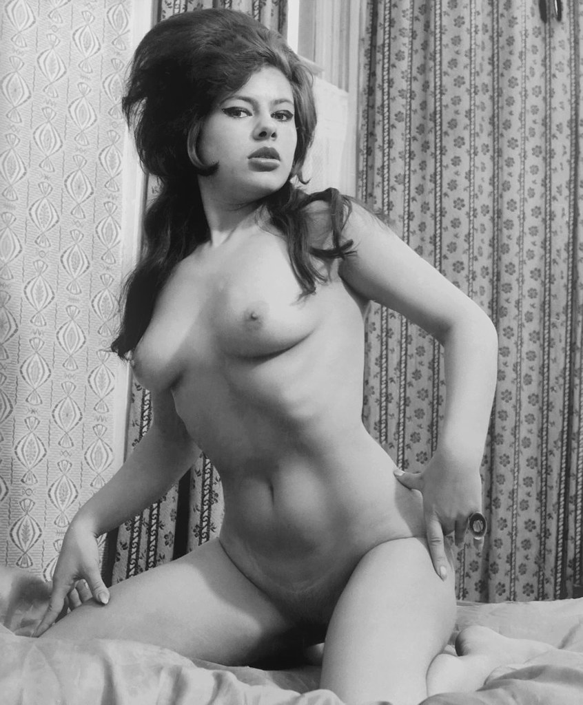 Margaret nolan vera novak vintage naturist clip 2