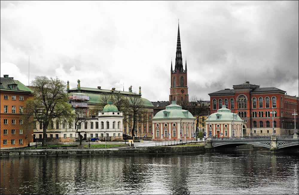 Дворянское собрание и Дворец Бонде