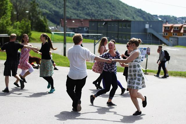 Dans under sjufjellsturen. Foto: Kjersti J. Nybø