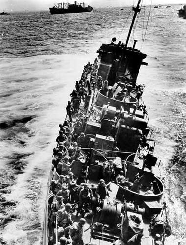Guardacostas rumbo a Normandía