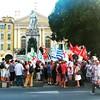 Manifestation de soutien au peuple grec à Nice, sous les yeux de Garibaldi #referendum #Grece
