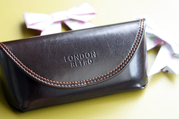 London Retro glasses case