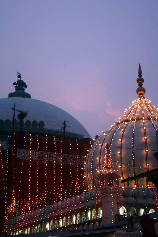 City Food – Iftar Snacks, Hazrat Nizamuddin Auliya's Dargah