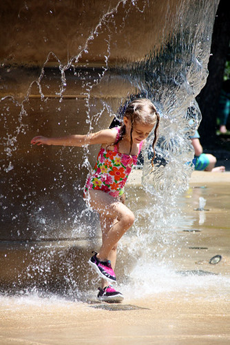 Aut-Ftn-Cool-Water-Effect