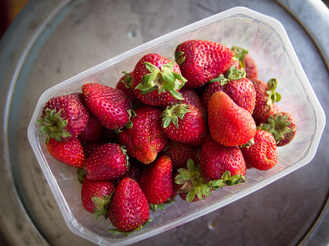 How to stop Berries from Turning Mouldy and Soft in the Fridge Strawberry
