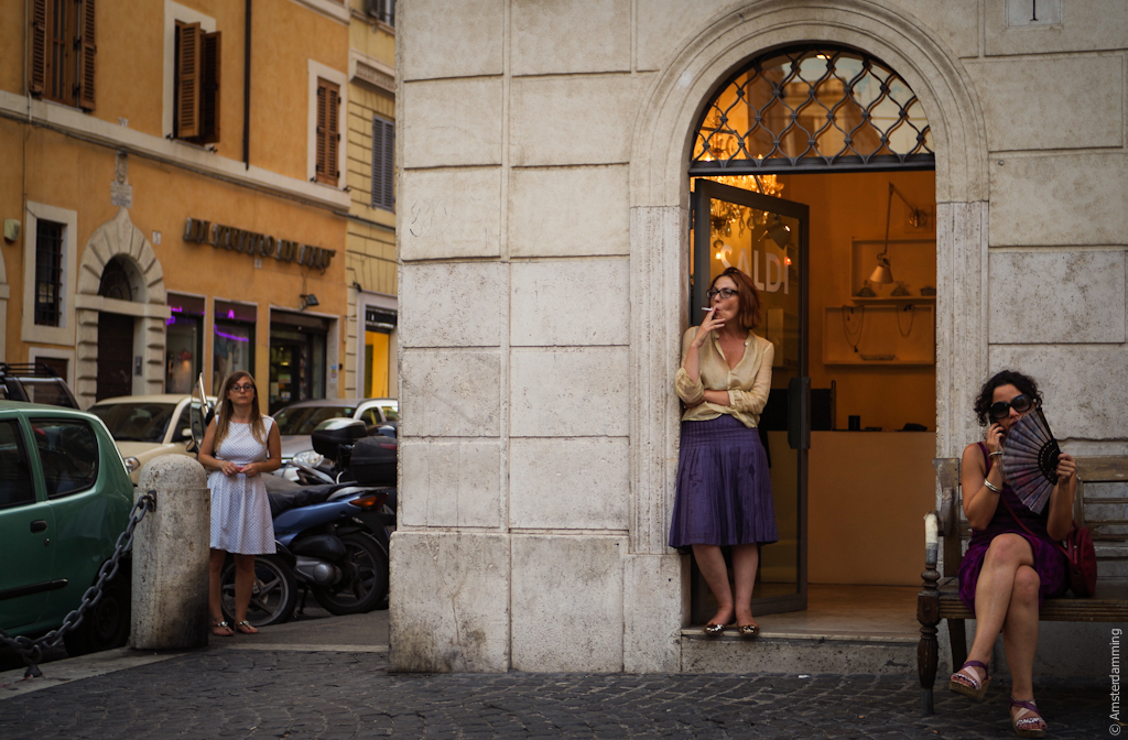 Rome, 3 Women in Piazza della Madonna dei Monti