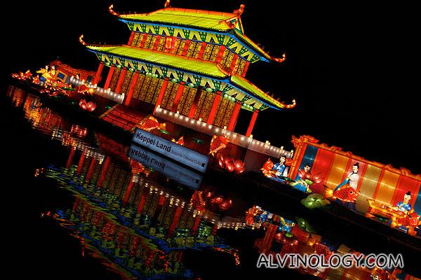 Floating palace lantern