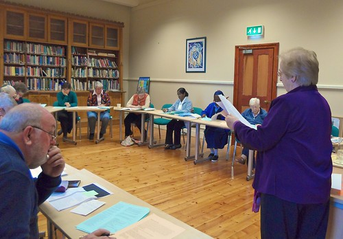 Una Agnew SSL (right) conducting a workshop at the Ecospirituality Centre in Wicklow