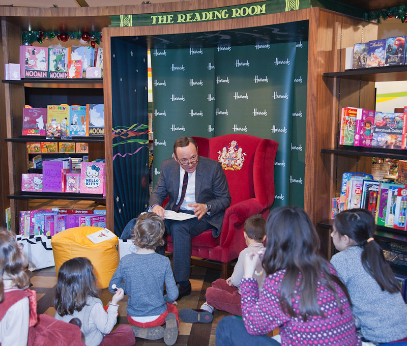 Kevin Spacey at Petit Prince Reading, Harrods London_3.jpg
