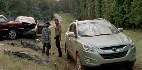 more-hyundai-product-placement-for-the-walking-dead-season-4