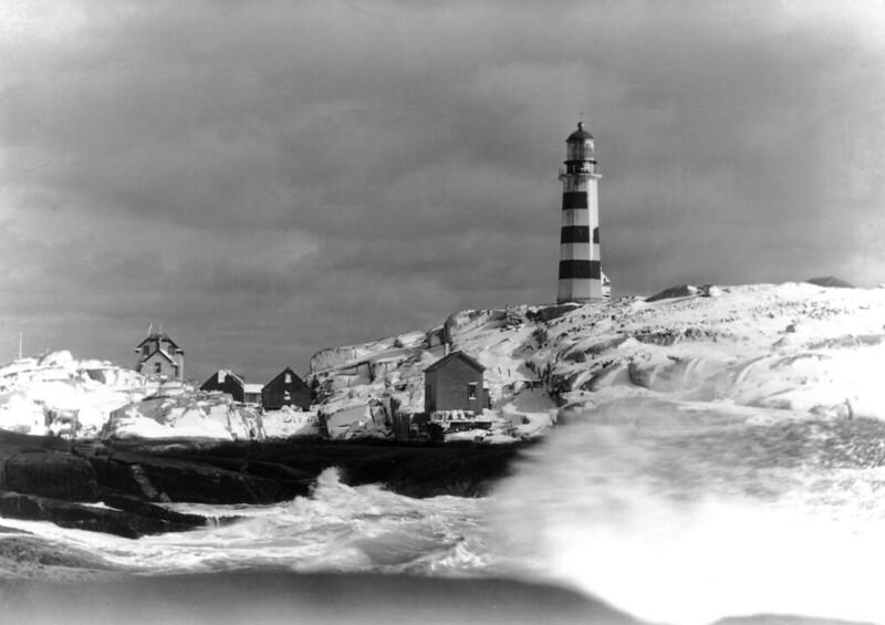 Sambro Island Lighthouse in winter