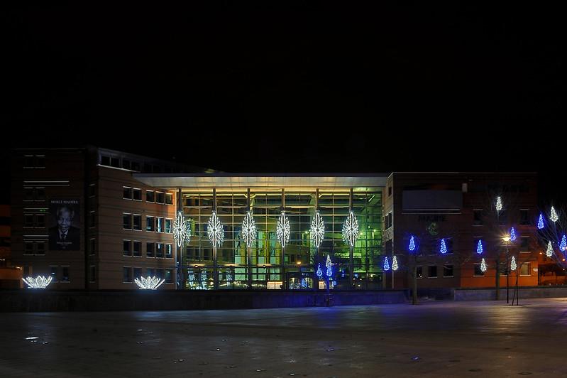 Evry Daily Photo - Hommage a Mandela - Place des Droits de l Homme - Evry Mairie