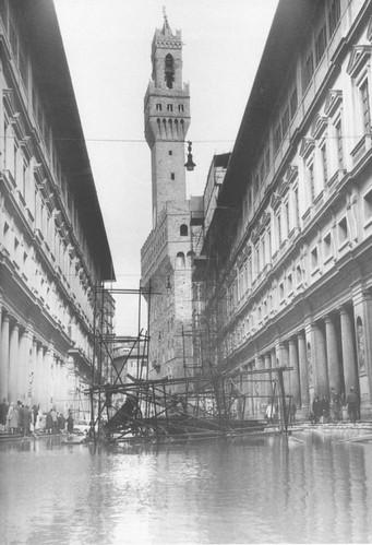 Alluvione_di_Firenze_01