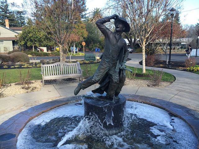 Fireman statue, Van de Leur Park