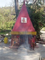 Gosain_Roadside_Temple