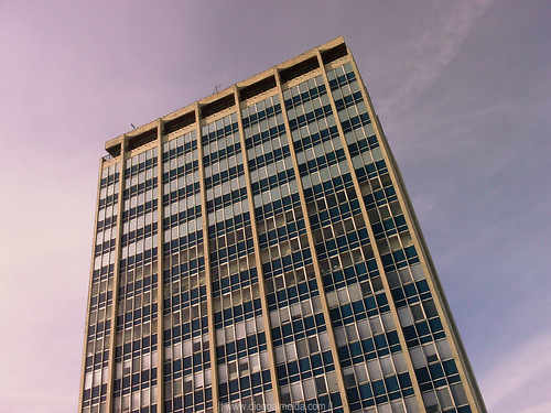 Social Security Building, by Luís Amoroso Lopes