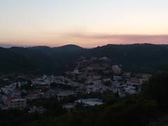 Η φωτιά μεταξύ των χωριών Λάερμα και Απόλλωνα όπως φαινόταν σήμερα από την Ψίνθο (23/07/2015)