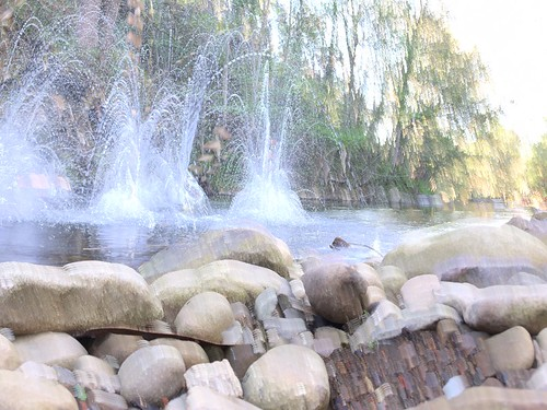 Slow shutter tricks with river rock splashes