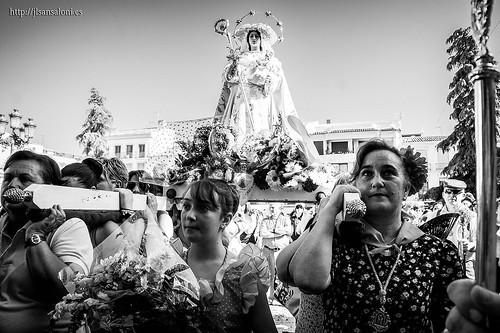 Virgen Romera frente al Consistorio by Sansa - Factor Humano