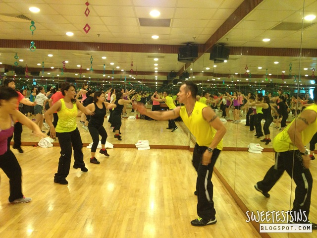 Phillip wain master zumba class with david velez (4)