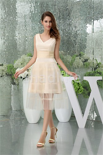 Champagne Tea-Length Fine-Netting V-neck Bridesmaid Dresses