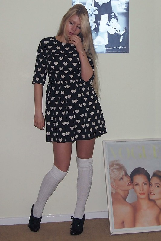 Sam Muses, UK Fashion Blog, London Style Blogger, Primark, Burberry, Heart Print, Dupe, Mini Dress, Long Sleeve, Tea Dress, Shift Dress, '60s, Over the Knee Socks, How to Wear, Outfit Ideas, Styling Ideas