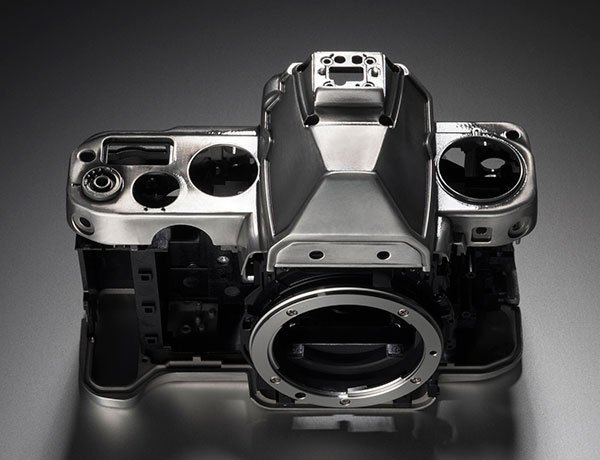 Nikon-Df-camera-body-2