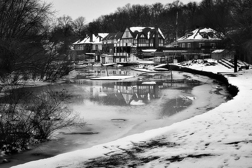 houses winter urban bw snow ice philadelphia water monochrome canon river boat frozen january row powershot reflected philly boathouse d20 schuylkill lucymagoo lucymagooimages