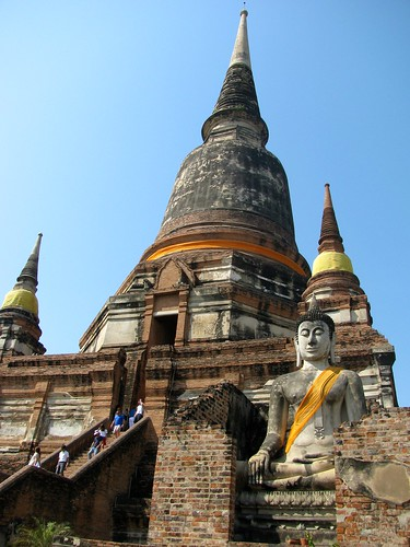 El gran Chedi de Wat Yai Chaya Mongkol