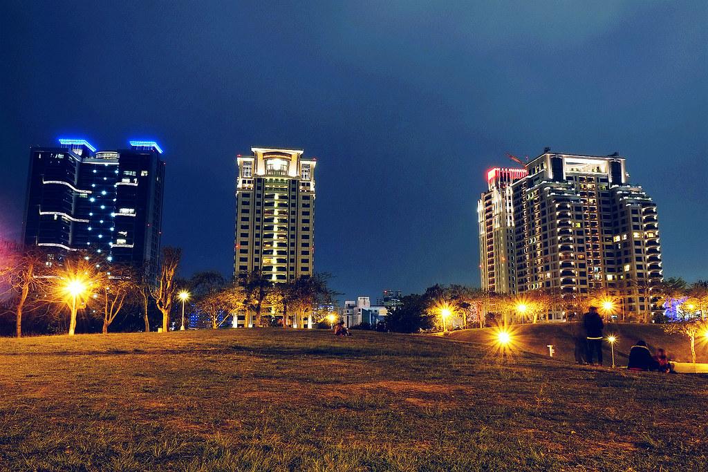臺中文新公園夜拍 X-E1