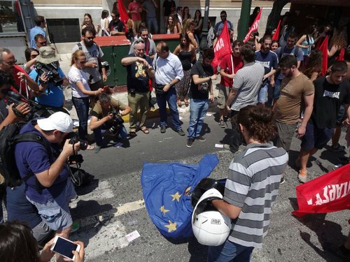 AionSur 19172689279_dcb18a5eba_d Crece la crispación en Grecia a tres días del referéndum Análisis