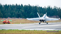 16:9 of EA-18G Growler FCLP at OLF