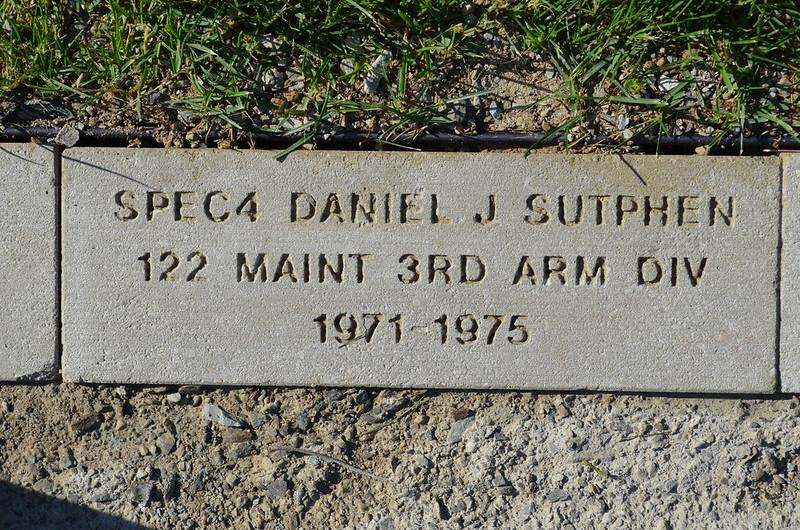 Suthphen, Daniel