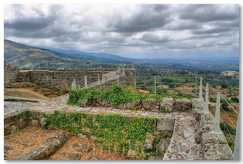 Paisagem avistada do Castelo de Linhares da Beira by VRfoto