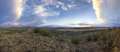 sunset newmexico santafe clouds plateau canyon sandiamountains lacienega santaferiver labajada ortizmountains cajadelrio tetillapeak cloudsstormssunsetssunrises