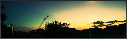 barcelona city sky window clouds sunrise ventana dawn ciudad cel paisaje colores finestra amanecer ciel cielo nubes contraste puestadesol nubols apocalipsis
