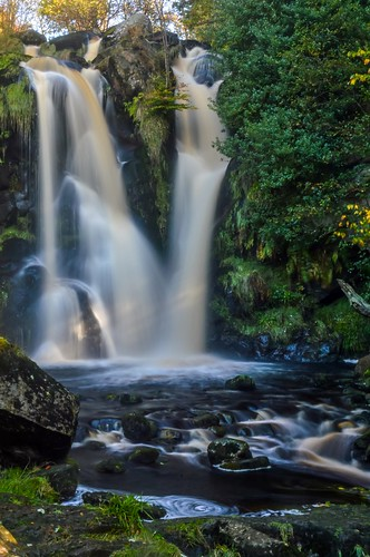 autumn motion tree water abbey rock waterfall stream long exposure yorkshire blurred valley bolton gill dales desolation posforth