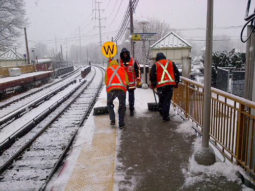 Snow removal along LIRR