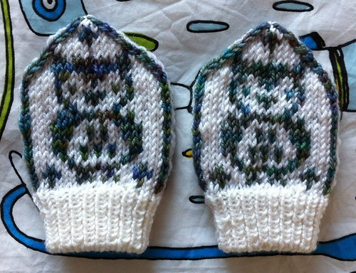 Owl Baby Mittens by Beatrixknits