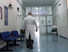 """""""Vetrini""""che rimbalzano tra gli ospedali di Polla ed Eboli. E oltre 30 pazienti aspettano di sapere se sono affetti da malattie tumorali – di Rocco Colombo"""