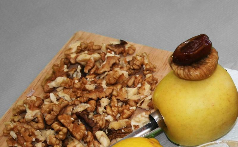 manzanas y nueces para la receta