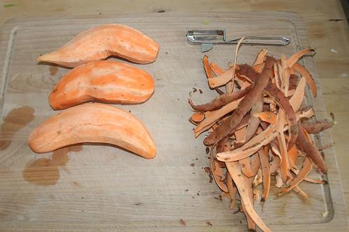 13 - Süßkartoffeln schälen / Peel yams