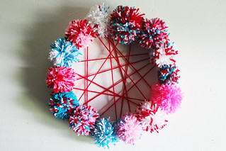 scrumdilly diy: pom pom 4th of july wreath