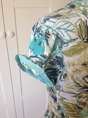 floral Vogue 5121 sleeve hem
