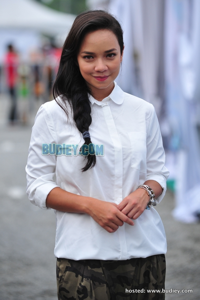 Nora Danish di Bazar Seindah Ramadan