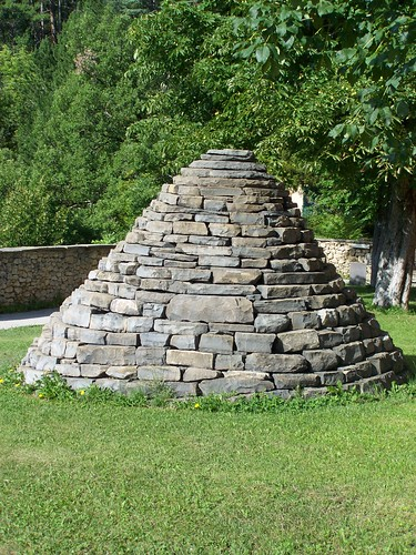 Cairn on the medieval remparts of Digne