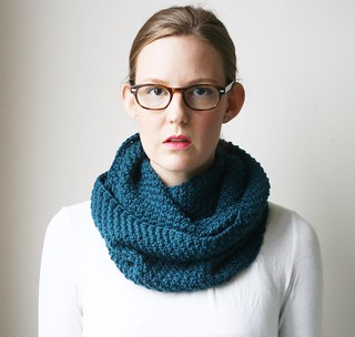 Pombcoup cowl